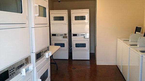 Hale Makana Laundry Room